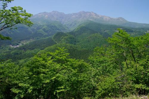 Atoyamasantyounite02